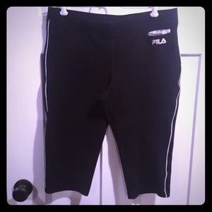 Crop exercise shorts